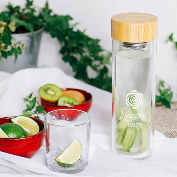 Szklana butelka termiczna na owoce